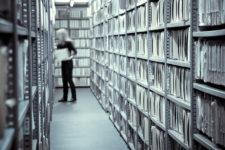 analoges archiv 225x150 - Alte Dokumente und Akten scannen und archivieren. Was kostet das?