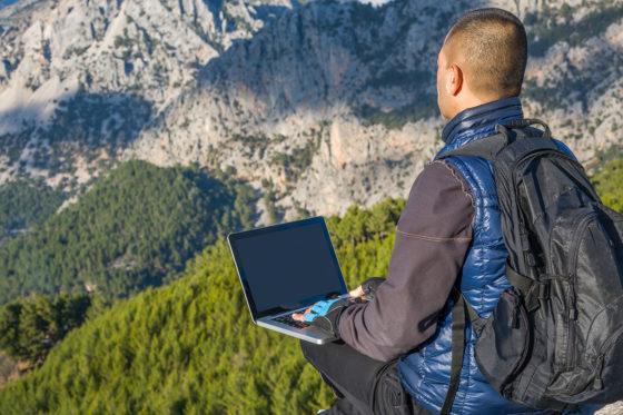 Cloud Zugriff 560x373 - Digitalisierung - Der Wandel im Büroalltag