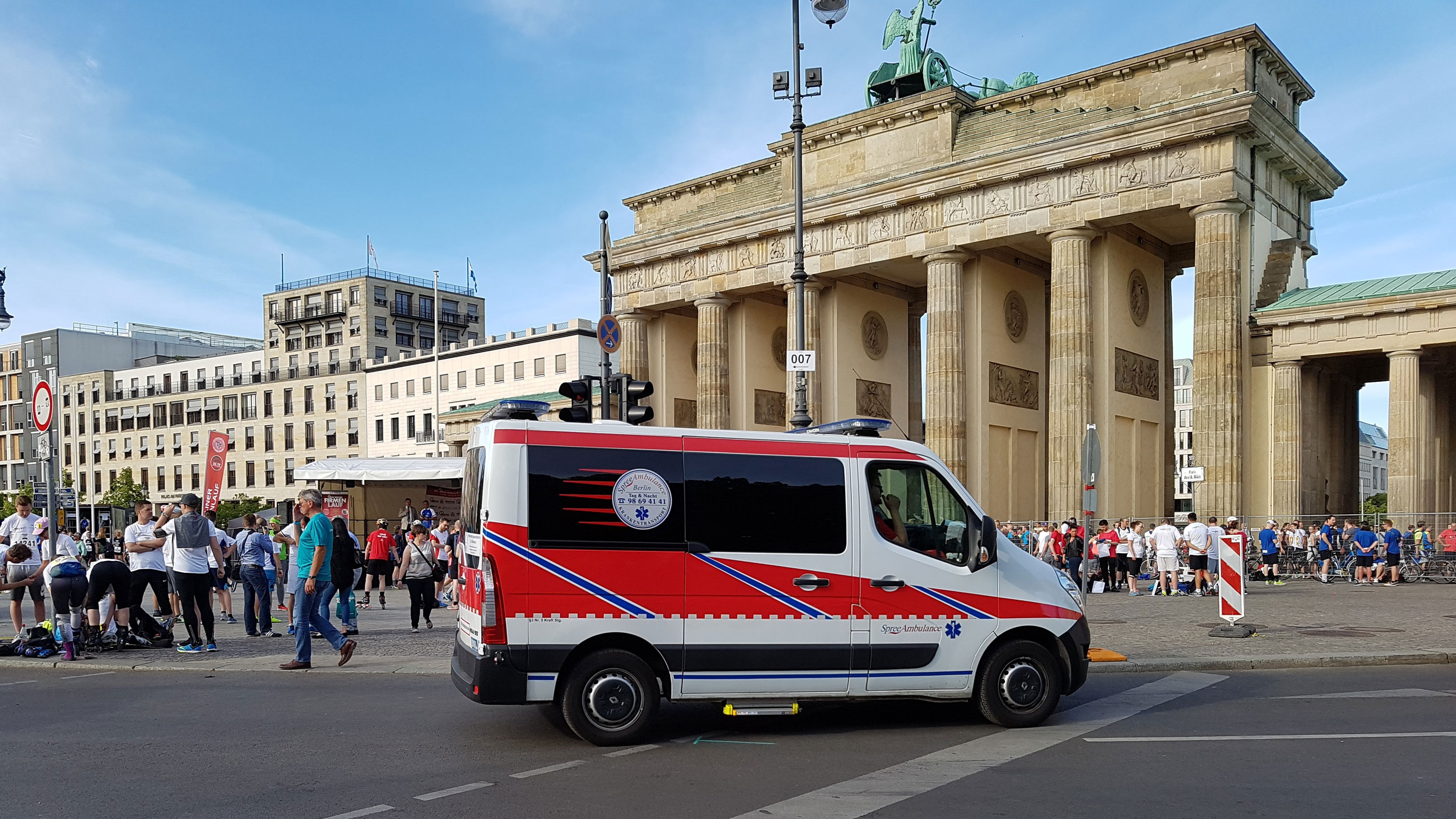 Brandenburger Tor Spree Ambulance - Spree-Ambulance GmbH & Co. KG